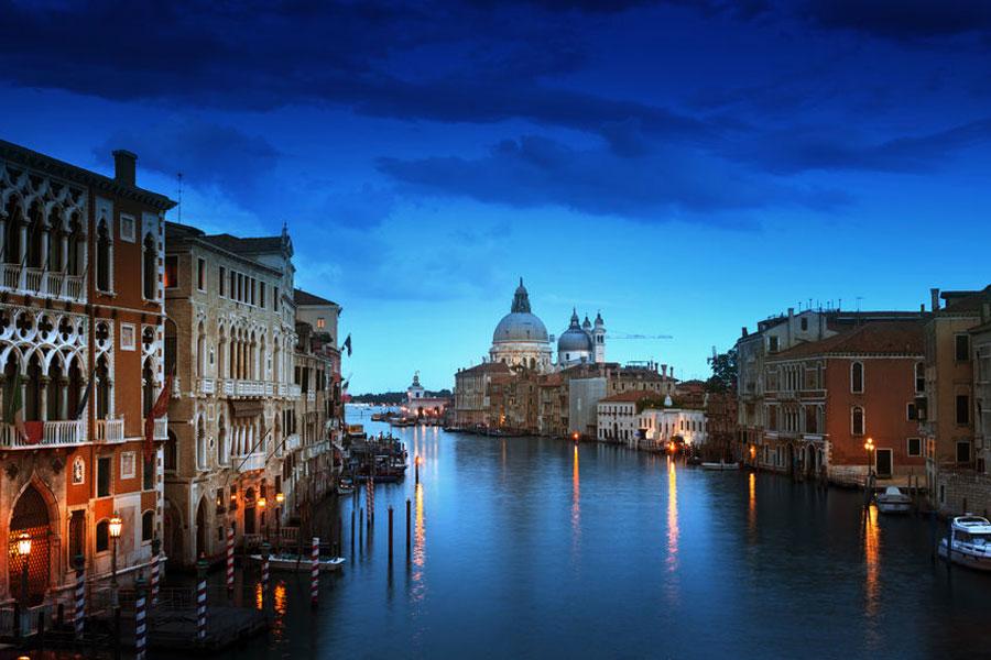 04_Lucio_e_arrivato_sulla_terrazza_di_venezia